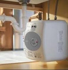 Lo scaldacqua senza serbatoio elettrico Bosch Tronic 3000T