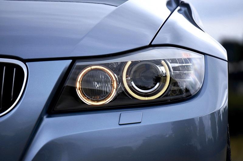 La comodità delle lampadine LED per auto per guidare in sicurezza