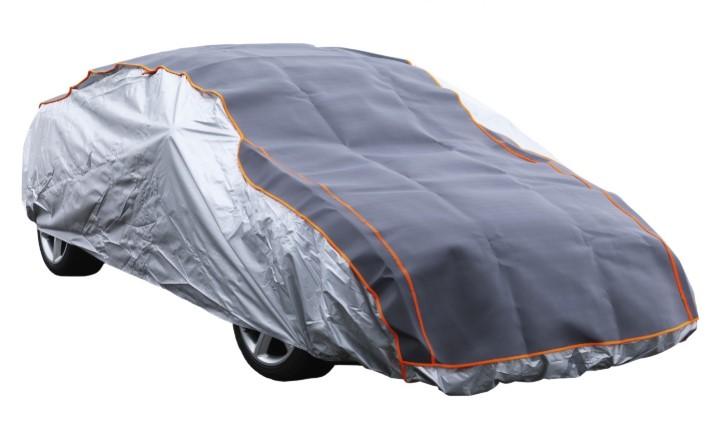 Il telo antigrandine per auto, una protezione utile e necessaria
